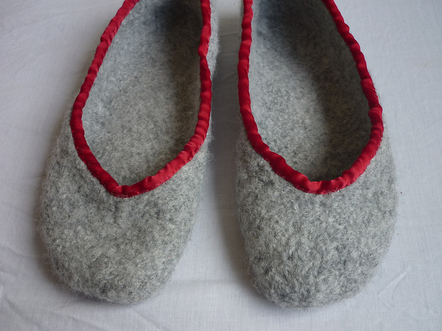 Free knitting pattern for Two Hour Felted Slippers and more weekend knitting projects
