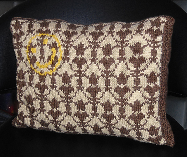 Free knitting pattern for Sherlock wallpaper pillow