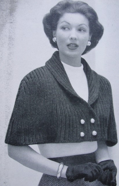 Knitting pattern for 1950s Capelet