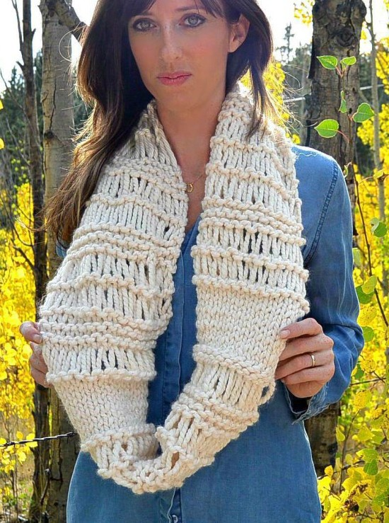 8785329a73afa Free knitting pattern for Chunky Infinity Scarf and more quick cowl  knitting patterns