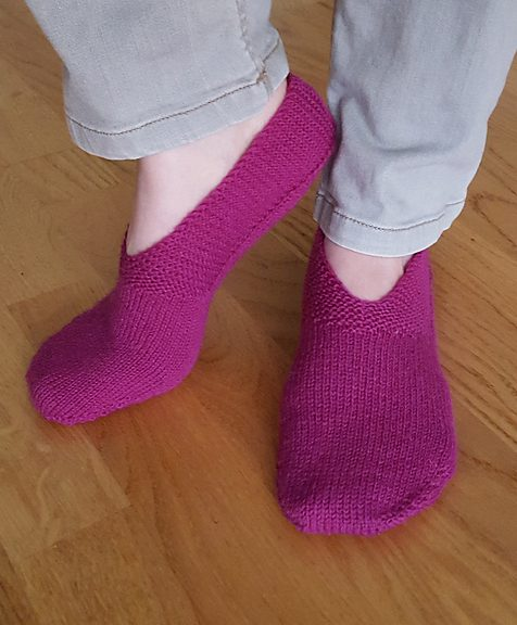 Free Knitting Pattern for Geranium Slippers