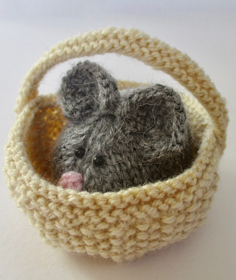 Knitting Pattern for Squeaky Mouse in Basket