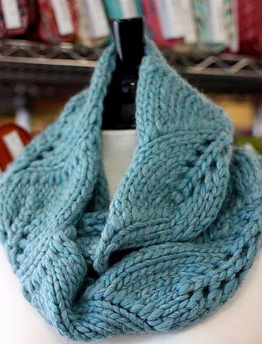Vite Cowl Knitting Pattern with leaf pattern