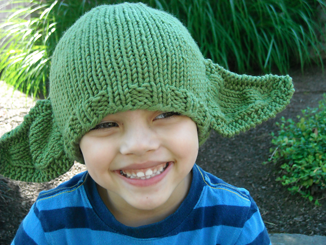 Free knitting pattern for Yoda hat and more Star Wars knitting patterns