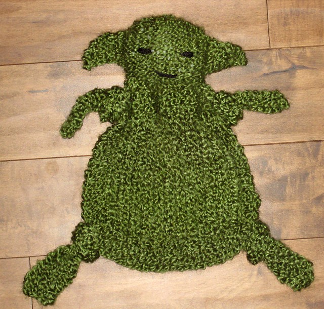 Yoda Buddy Blanket Free Knitting Pattern and more Star Wars inspired knitting patterns