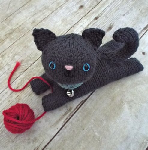 Knitting pattern for Amigurumi Kitten