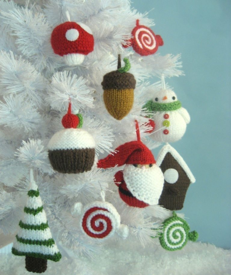Knitting Patterns for Amigurumi Christmas Tree Ornaments
