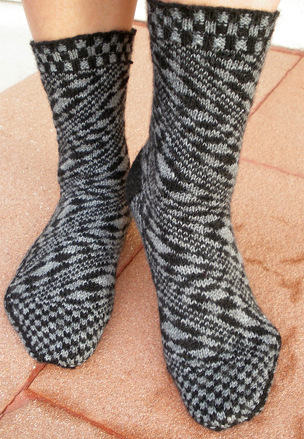 Free Knitting Pattern for Anamorphic Fibonacci Socks