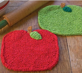Free knitting pattern for Apple shaped dish cloths