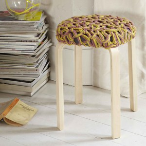 Knitting pattern for Arm Knit Stool Topper