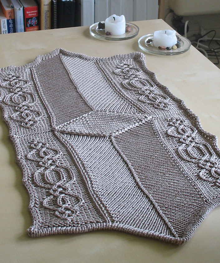 Free Knitting Pattern for Art Deco Table Runner