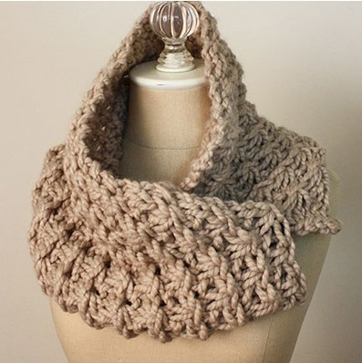 Knitting pattern for Asterique Cowl