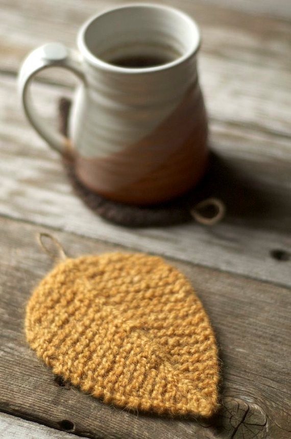 Knitting patterns for Autumn Leaves for coasters and decorations