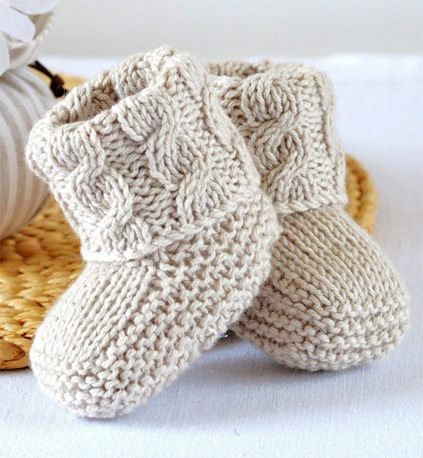 Knitting pattern for Baby Cable Booties