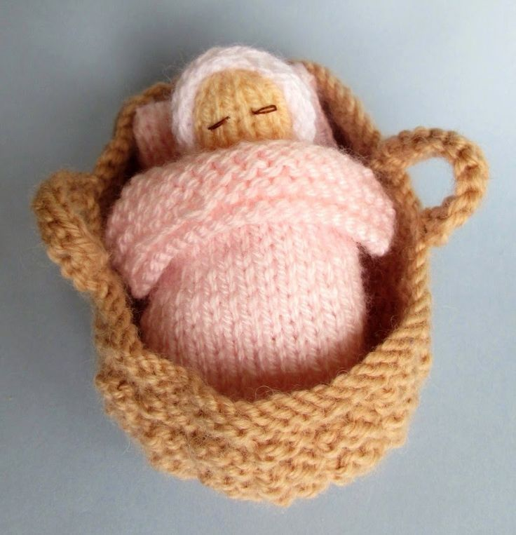 Free knitting pattern for Baby in Basket and other holiday knitting patterns