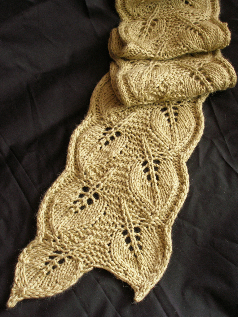Knitting Pattern for Backyard Leaves Scarf