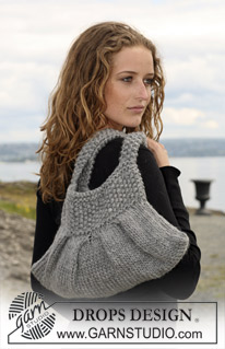Bag With Pleats and Moss Stitch Free Knitting Pattern | Bag, Purse, and Tote Free Knitting Patterns at https://intheloopknitting.com/bag-purse-and-tote-free-knitting-patterns/