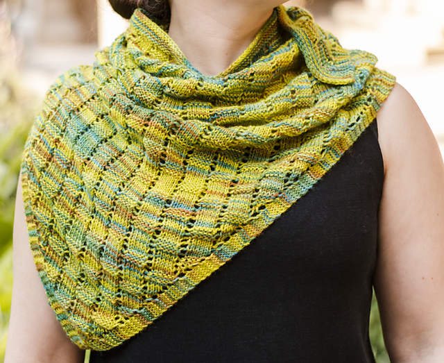 Free knitting pattern for Basketweave Lace Shawlette