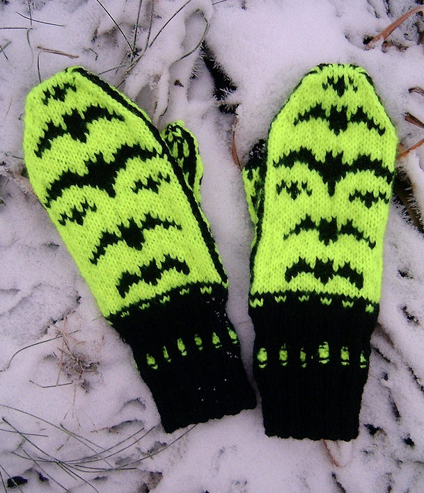 Free Knitting Pattern for Batsy Mittens