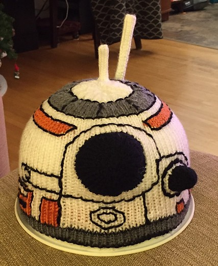 Free knitting pattern for BB-8 Droid Hat Chart