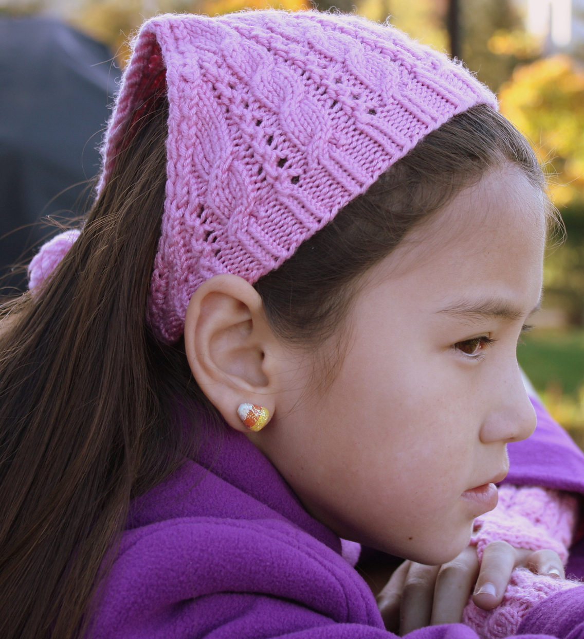Free Knitting Pattern for Bella Kerchief and Mitts