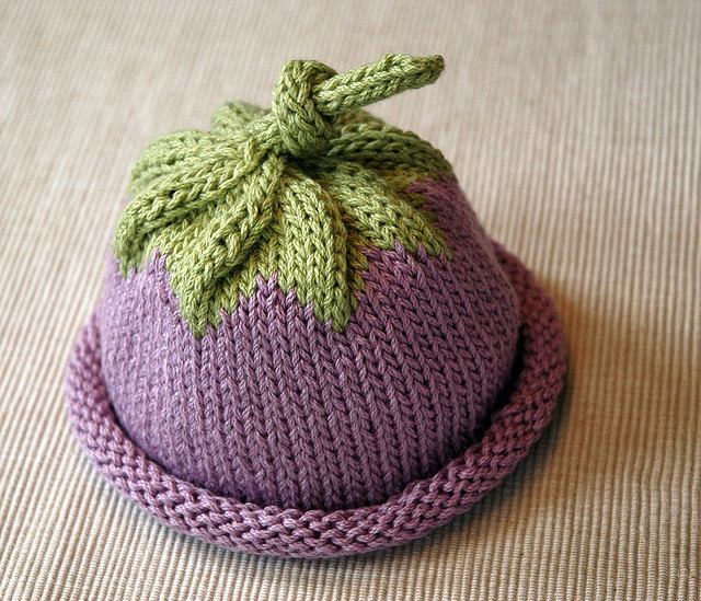 Berry Baby Hat Free Knitting Pattern and more baby hat knitting patterns 951b6de95ab