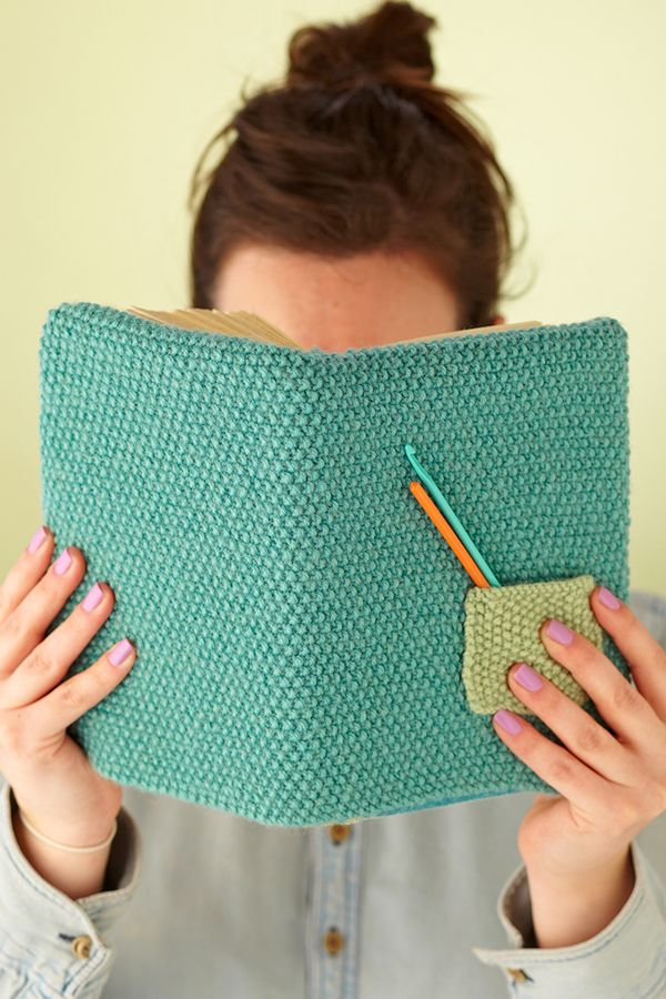 Free knitting pattern for Book Cover