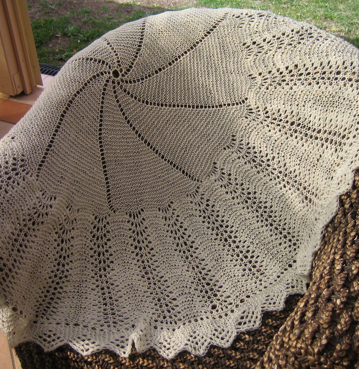 Free Knitting Pattern for Bubbles Circular Blanket or Shawl