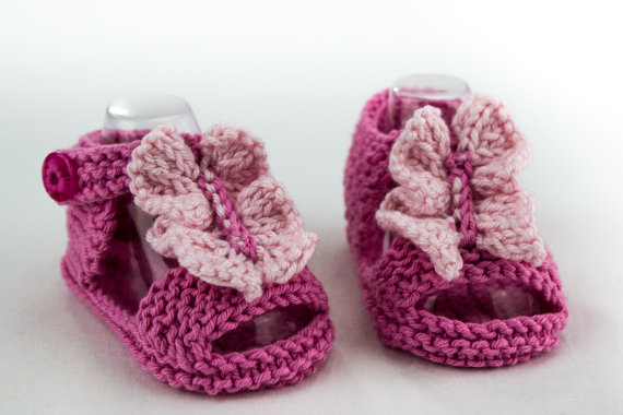 Knitting pattern for Ruffle Baby Sandals and more baby booties patterns