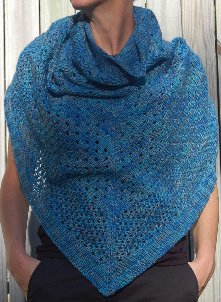 Free knitting pattern for easy Campside Shawl