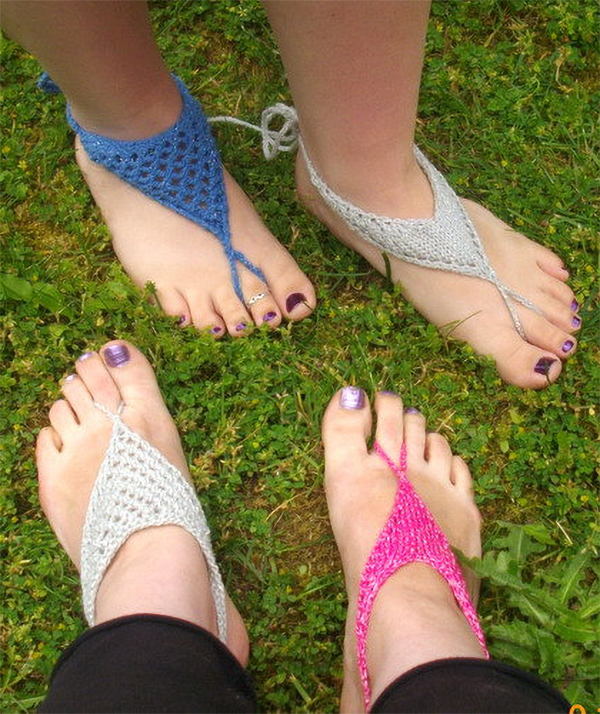 Knitting Pattern for V-Shaped and Triangle Barefoot Sandals