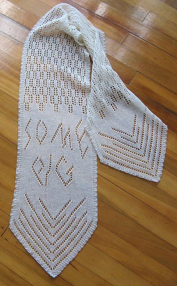 Charlottes Web Some Pig Scarf Free Knitting Pattern and more free fun scarf knitting patterns
