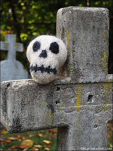 Free knitting pattern for Chauncey Skull toy softie