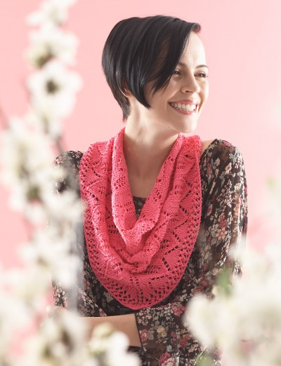 Free knitting pattern for Chevron Leaf Scarf or Shawl and more chevron knitting patterns