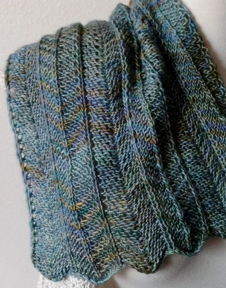 Knitting Pattern for One Row Repeat Chevron Scarf