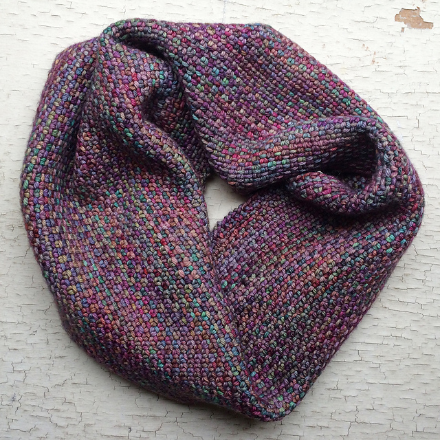 Free knitting pattern for Chickadee Cowl