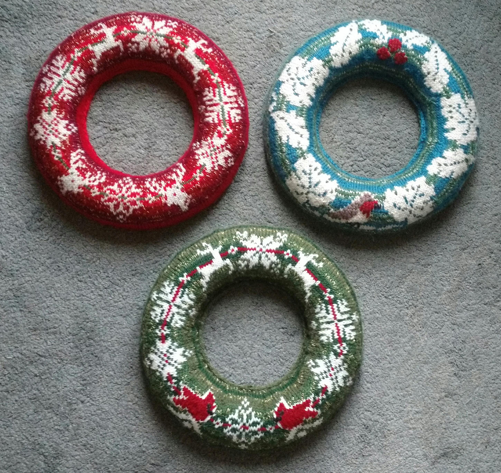 Free Knitting Patterns for Christmas Sweater Wreaths