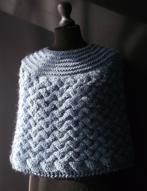 Free knitting pattern for Chunky Cabled Capelet