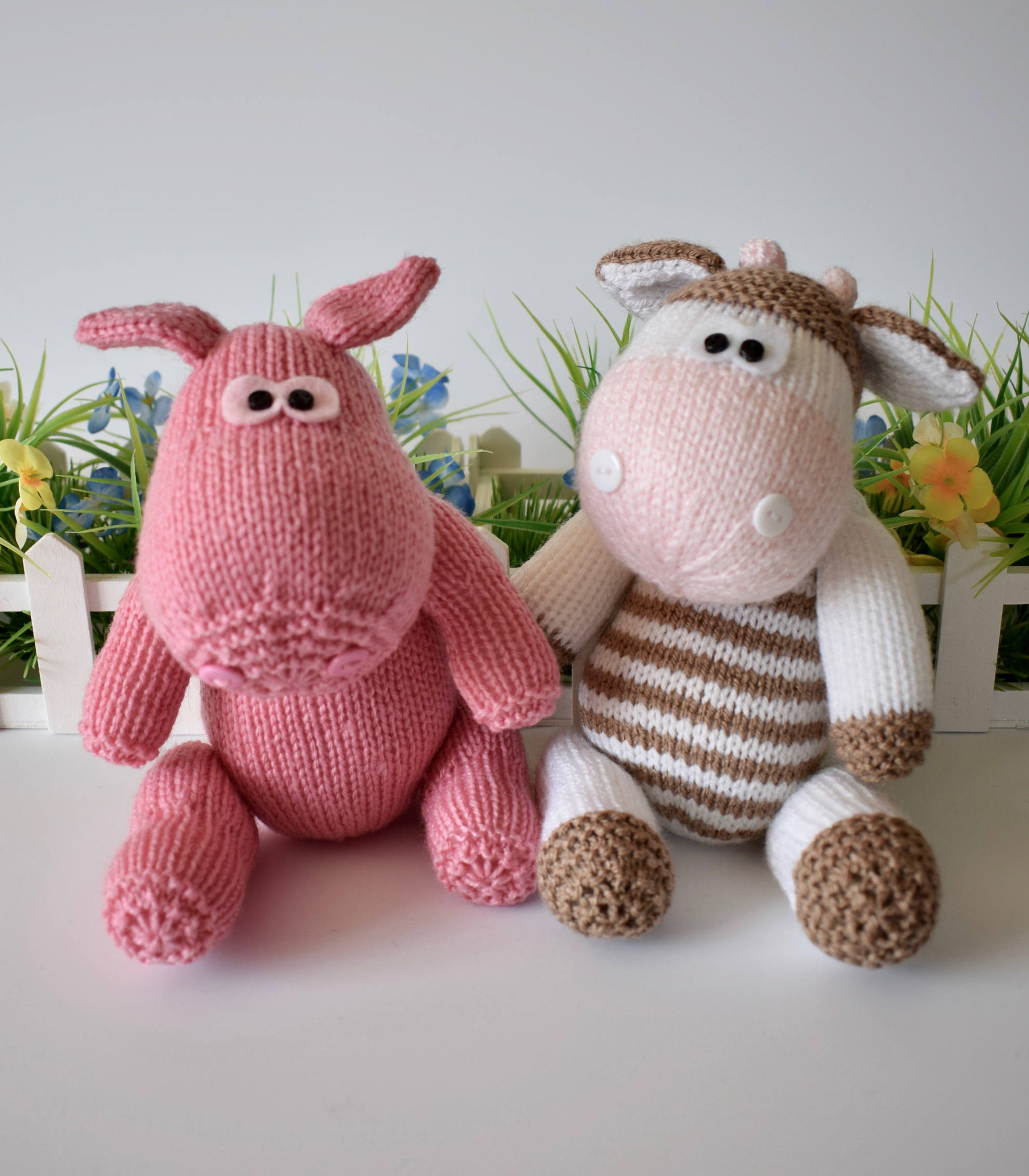 Knitting Pattern for Chutney Cow and Pickles Pig