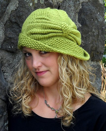 Free knitting pattern for Cloche Divine