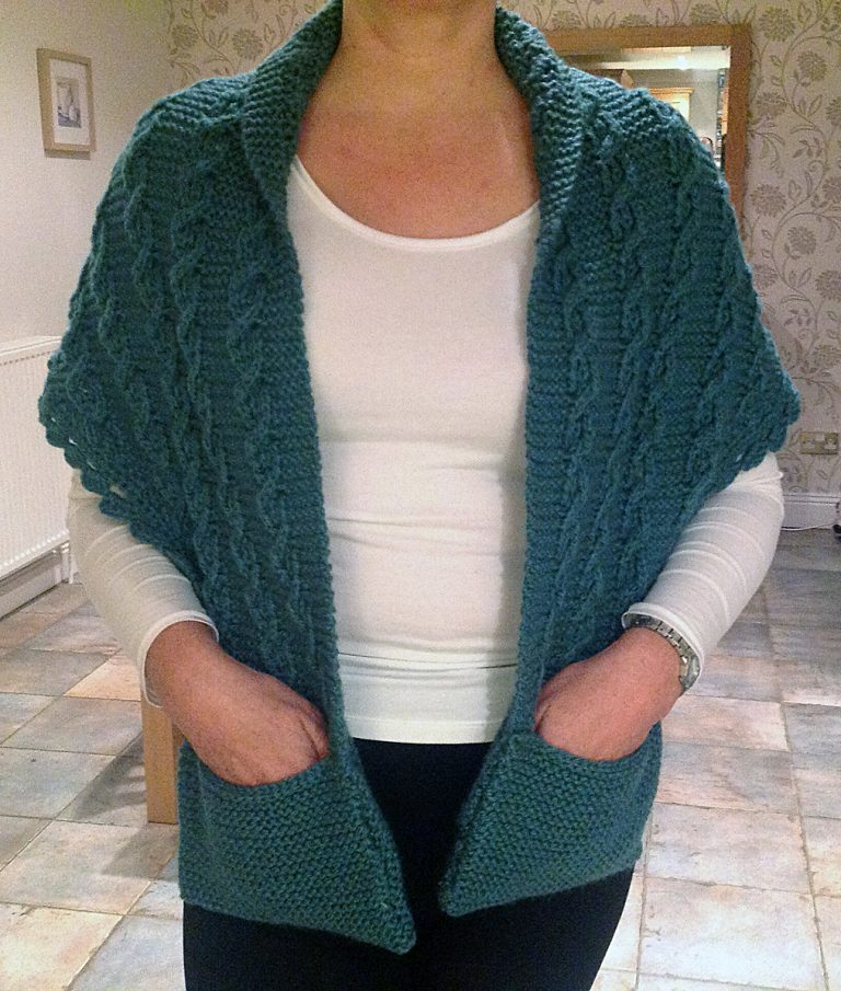 Free Knitting Pattern for Contralto Shawl With Pockets