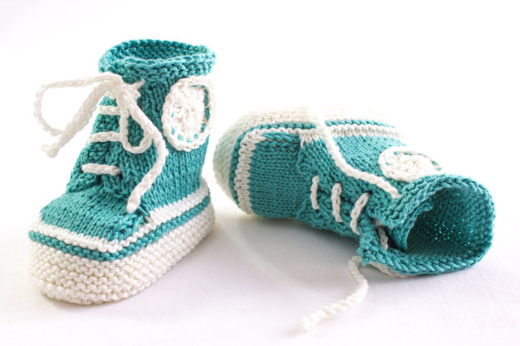 Knitting pattern for Baby Converse High top Trainer Booties