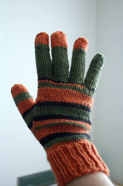 Free knitting pattern for Coraline gloves