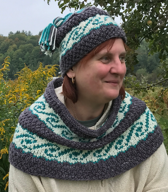 Free Knitting Pattern for Cowichan Waves Cowl and Hat