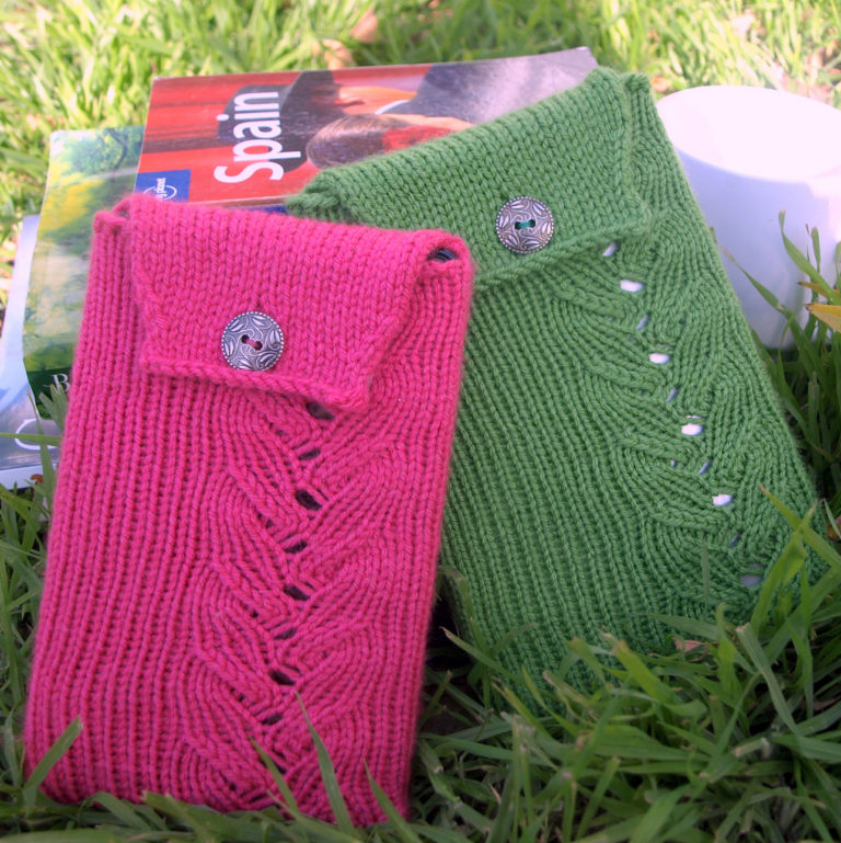 Free Knitting Pattern for Cozy Fire iPad and Kindle Covers