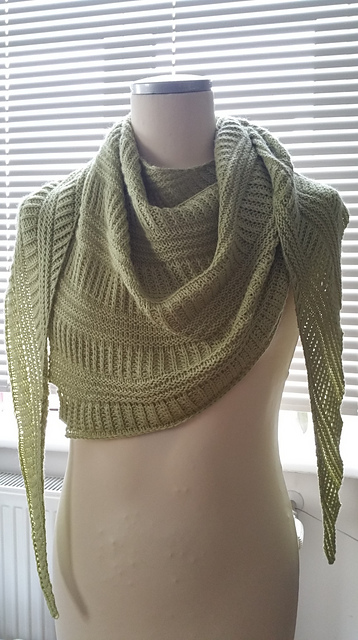 Free knitting pattern for Criss Cross Shawl