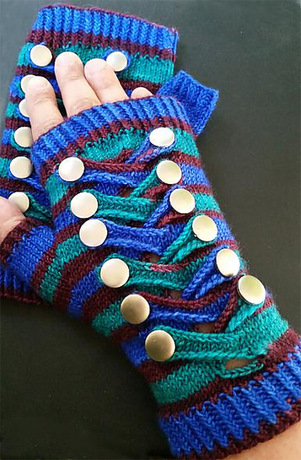 Free Knitting Pattern for Crossing The Frame Mitts