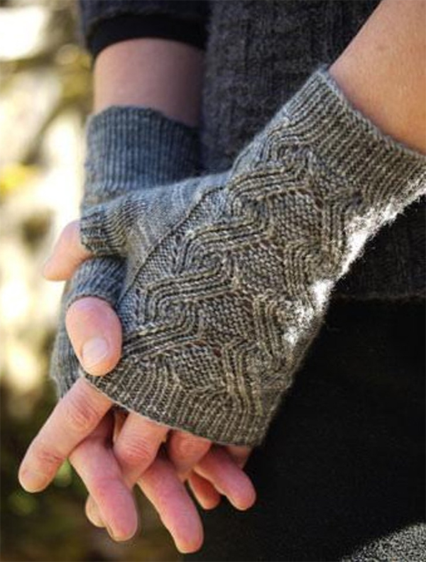 Knitting Pattern for Curling Neckwarmer and Mitts