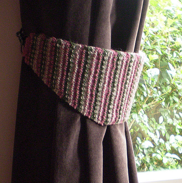 Free Knitting Pattern for Curtain Tiebacks