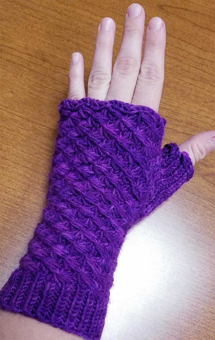 Contemporary Upsy Daisy Knitting Pattern Illustration Knitting